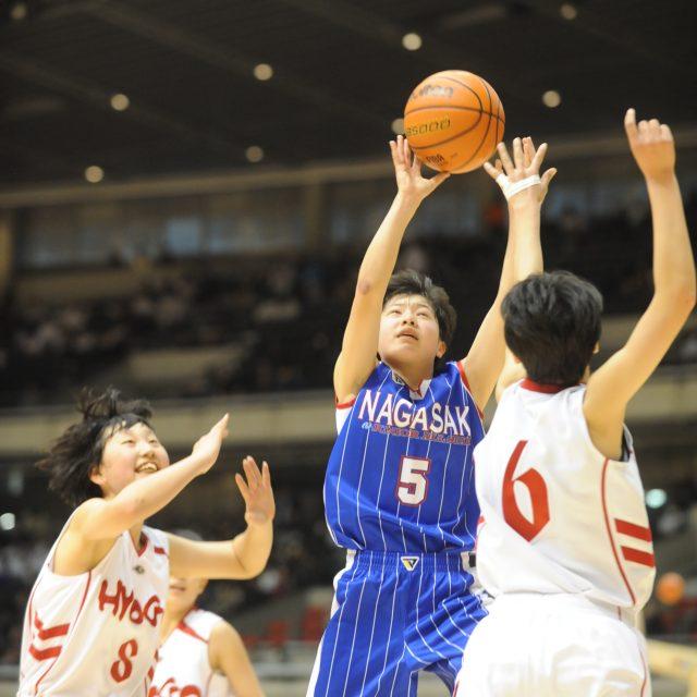 女子・準々決勝 兵庫県 ● 58-59 ○ 長崎県