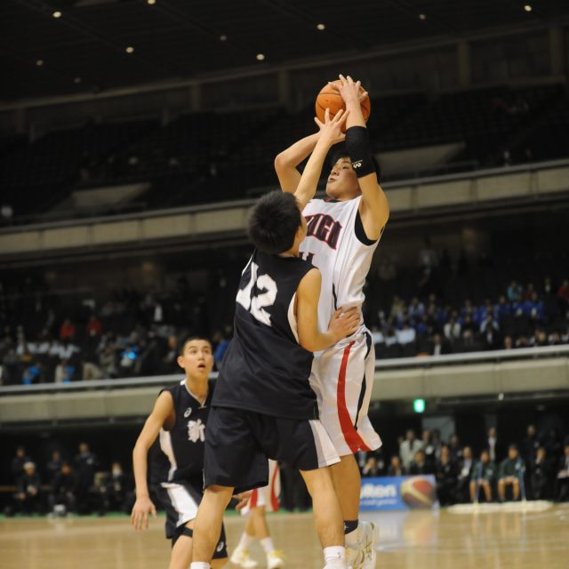 男子・準々決勝 兵庫県 ● 58-61 ○ 新潟県